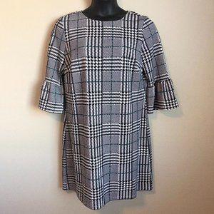 EUC Women's Plus Size Flounce Sleeve Dress - XL